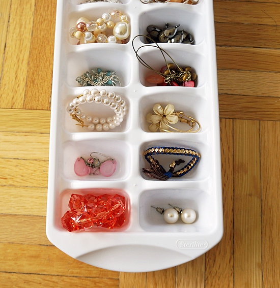 Use-Ice-Cube-Tray-Jewelry-Organization