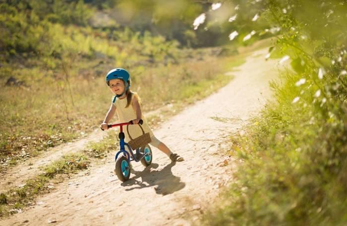 Παιδί και ποδήλατο