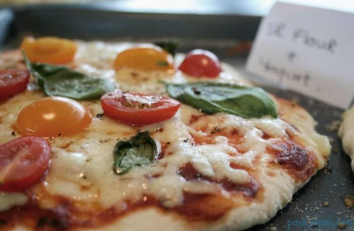πίτσα με γιαούρτι