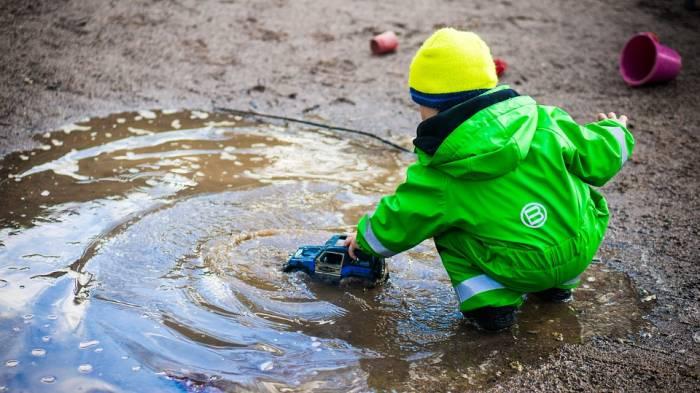 Τι πρέπει να κάνουμε αν το όχημα μας βυθιστεί στο νερό;