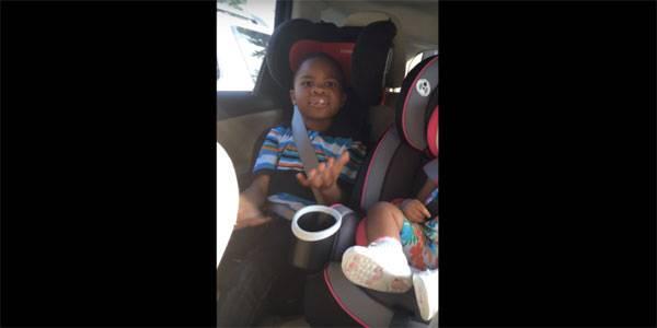 Ξεκαρδιστική  αντίδραση παιδιού (βίντεο)