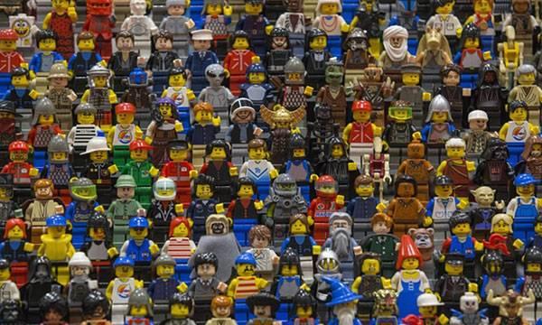 Aνθρωπάκι Lego με αναπηρία;