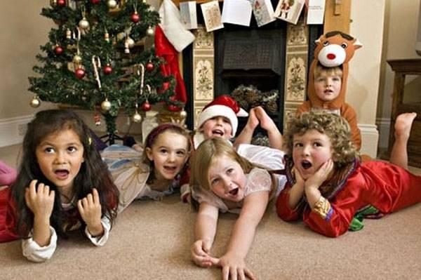 Χριστουγεννιάτικες επισκέψεις και σπίτι γεμάτο παιδιά