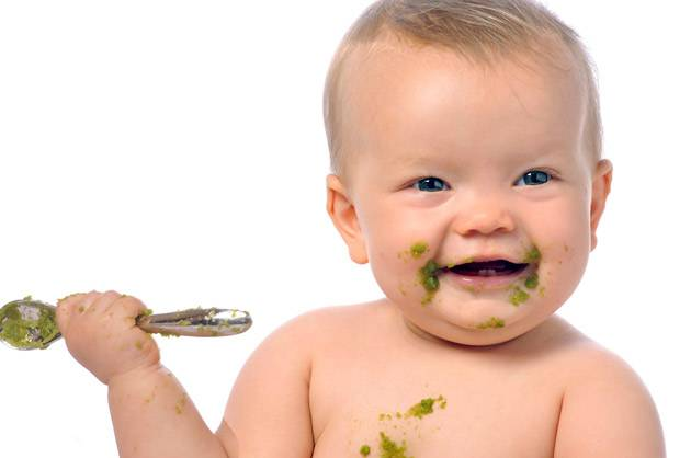 Αρχίζοντας στερεή τροφή στο μωρό σας