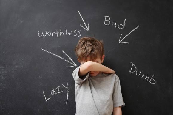 10 περίεργες τιμωρίες παιδιών