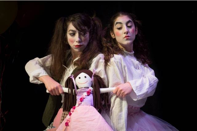 """Διαγωνισμός για την παράσταση """"Η κούκλα που είχε δύο μαμάδες"""""""