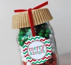 Χριστουγεννιάτικο βάζο με ζαχαρωτά.