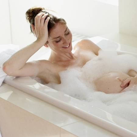 Ζεστό μπάνιο και σάουνα, κατά τη διάρκεια της εγκυμοσύνης.