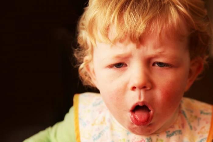 Πως αντιμετωπίζουμε τον εμετό στο μωρό μας.