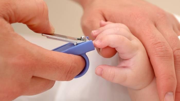 Πως να φροντίσετε τα νύχια του μωρού σας;