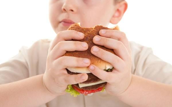 Τρόποι για να περιορίσετε τη ζάχαρη στη διατροφή του παιδιού σας