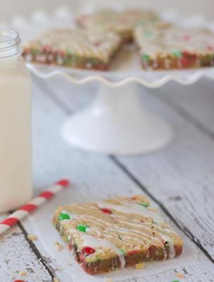 Χριστουγεννιάτικα μπισκότα με Μ&Μ