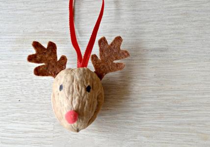 Χριστουγεννιάτικος Τάρανδος από καρύδι