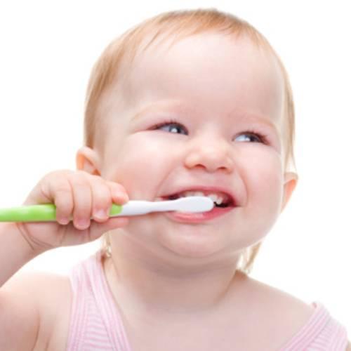 Μαθαίνοντας το παιδί σας να βουρτσίζει τα δόντια του!