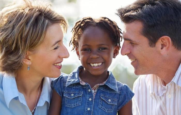 Παιδί και υιοθεσία: Πως μιλάμε στα παιδιά μας για αυτό το λεπτό θέμα;
