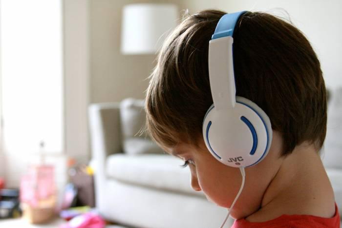 Πως καθαρίζουμε τα ακουστικά μας;