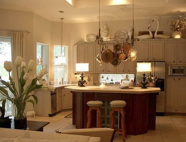 Πως να καθαρίσετε τα μπρούτζινα σκεύη στην κουζίνα σας.