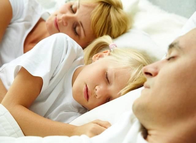 Ύπνος. Κοιμάστε με το παιδί σας;