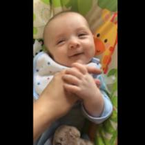 Μωρό 7 εβδομάδων...μιλάει!
