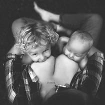 Στήριξη του δημόσιου θηλασμού με φωτογραφίες μητέρων