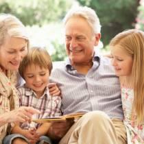 Όταν οι παππούδες και οι γιαγιάδες κακομαθαίνουν το μικρό σας