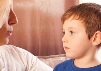 Πώς να πείτε στα παιδιά σας ότι έχετε καρκίνο