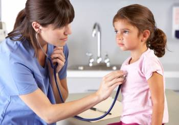 Βοηθήστε τα παιδιά να ξεπεράσουν το φόβο του γιατρού
