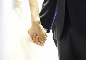 Απαγορεύονται νονοί και παράνυμφοι με σύμφωνο συμβίωσης
