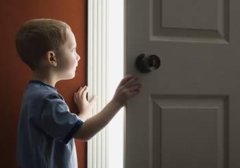 Παιδί μόνο στο σπίτι. Πότε να πάρετε την απόφαση;