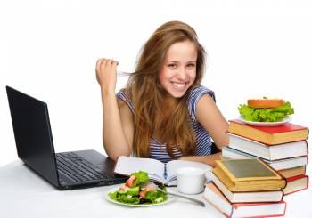 Πανελλήνιες εξετάσεις: ενδεικτικό πρόγραμμα διατροφής πλούσιο σε ενέργεια