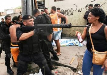 40 φωτογραφίες γυναικών που διαδηλώνουν