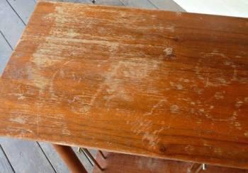 Διορθώστε τις γρατζουνιές από τα ξύλινα έπιπλα σας