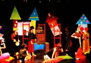 Εργαστήρια θεατρικού παιχνιδιού για παιδιά, εφήβους και ενήλικες