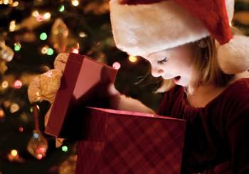 Βλέποντας τις γιορτές μέσα από τα μάτια του μικρού παιδιού σας