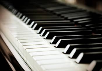 Θεσσαλονίκη: Ανακαλύπτουμε τη μαγεία της μουσικής στα Μπουμπουκάκια. ΕΛΗΞΕ