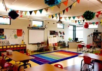 Το υπουργείο Παιδείας διαψεύδει συγχωνεύσεις 1.600 σχολείων