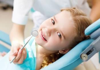 Οδοντιατρικός έλεγχος σε σχολεία της Αθήνας