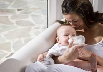 Οι μικρές ενοχές της νέας μητέρας και πώς να τις χειριστεί