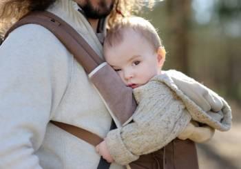 Σίγουροι για τον απελπισμένο μπαμπά, τρόποι για να ηρεμήσει ένα μωρό που κλαίει