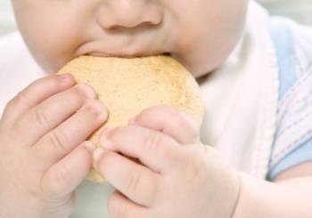 Ο κίνδυνος για καρδιακό νόσημα ξεκινά με τη διατροφή του μικρού παιδιού