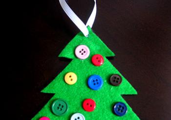 Χριστουγεννιάτικο δένδρο με κουμπιά