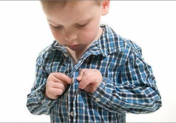 Γιατί το παιδί σας προτιμάει να μένει χωρίς ρούχα;