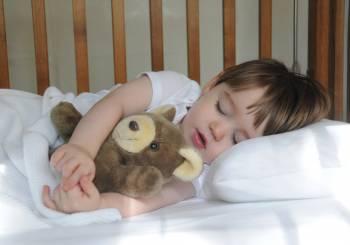 Μάθετε στα παιδιά να αγαπούν τον ύπνο